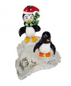 PINGUINS ON THE ROCK